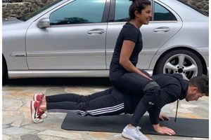 Pic: PC shares her fav workout with Nick
