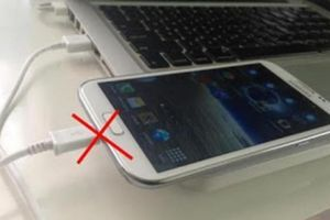 Σταματήστε να φορτίζετε το κινητό σας με αυτόν τον τρόπο -Υπάρχει κίνδυνος