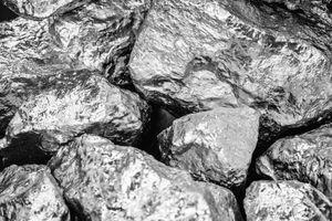 Το πολύτιμο μέταλλο που ξεπέρασε σε τιμή τον χρυσό