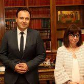 Πρόεδρος ΚΕΔΕ: Έβαλε ξανά γραβάτα μετά από 14 χρόνια