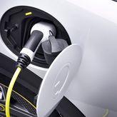 Ηλεκτροκίνητα αυτοκίνητα: Τα κίνητρα, τα οφέλη και τα βήματα για την επιδότηση