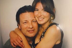 Džejmi Oliver objavio 7 zdravih recepata, a supruga dodala privatne slike (FOTO)