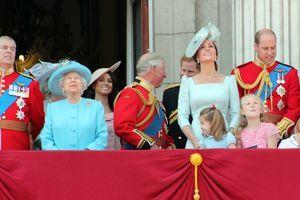 KEJT MIDLTON ili princeza Dajana: Dame su ponele iste komade, ali kojoj bolje pristaju? (FOTO)