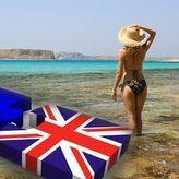 Η Βρετανία ανοίγει τα σύνορα για τουρίστες προς την Ελλάδα