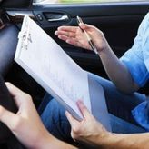 Διπλώματα οδήγησης: Κάμερες και μικρόφωνα στις αίθουσες των θεωρητικών εξετάσεων – Τιμόνι στα 17 έτη