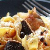 Μοναστηριακή συνταγή: Χυλοπίτες με σάλτσα μελιτζάνας!