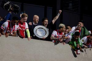 JOŠ JEDAN SRBIN U AJAKSU: Talentovani fudbaler se pridružio Tadiću u holandskom velikanu (FOTO)
