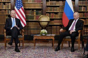 JEDAN OSMEH I KAMENE FACE! Analitičari govora tela već otkrili SVE o odnosu Putina i Bajdena, a evo šta je ruski lider poručio Amerikancu!