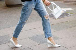 Nőies, kényelmes, és nyújtja az alakot: az éksarkú cipő nem hiányozhat az őszi ruhatárból