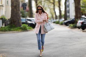 Ezek a nőies átmeneti kabátok az idei ősz kedvencei: divatos fazonok árakkal, melyek ruhával is jól mutatnak