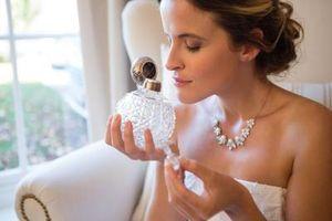 SVI OVO RADIMO POGREŠNO: Evo kako da pravilno nanesete parfem