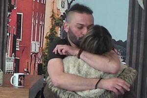 TELO UZ TELO i sočan POLJUBAC! Vlajić je snažno privukao k sebi - odmah joj POZLILO! (VIDEO)