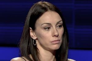 TUŽAN DAN za porodicu Slobode Mićalović: Glumica u zagrljaju POKOJNOG OCA i jedna reč koja dušu KOMADA