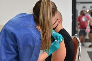 Štátny ústav pre kontrolu liečiv opäť informuje o nežiaducich účinkoch vakcín