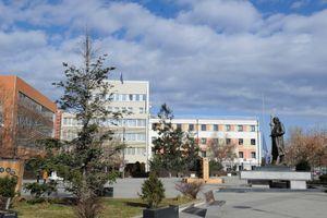 Kvinta reagovala: Vlada u Prištini da primeni odluku o vraćanju zemlje manastiru Dečani