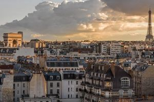 Pariški slog: Sedem zlatih nasvetov za opremo očarljivega in funkcionalnega doma v pariškem stilu