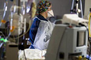 Novi podatki: Epidemija raste, a tudi ena dobra novica!
